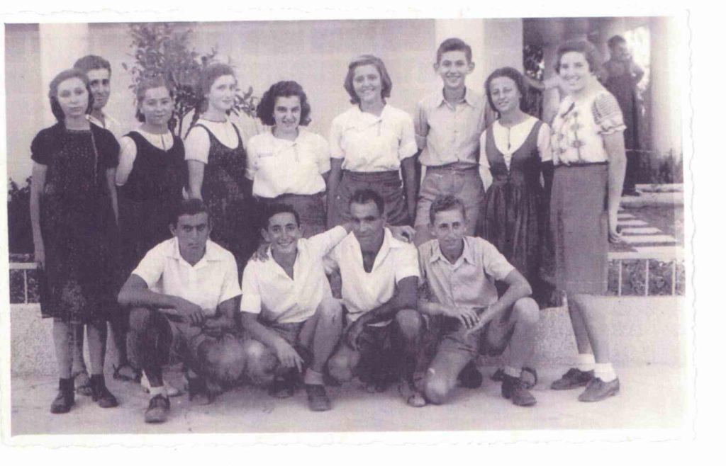 אידה בת 13 המחנות העולים משמאל